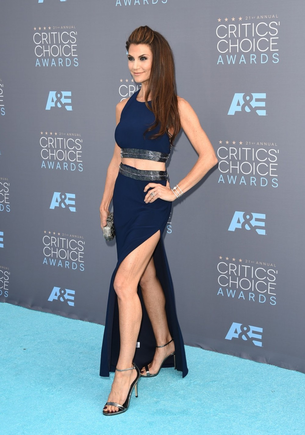 Samantha Harris | 2016 Critics' Choice Awards | Clara Kasavina Jill minaudiere