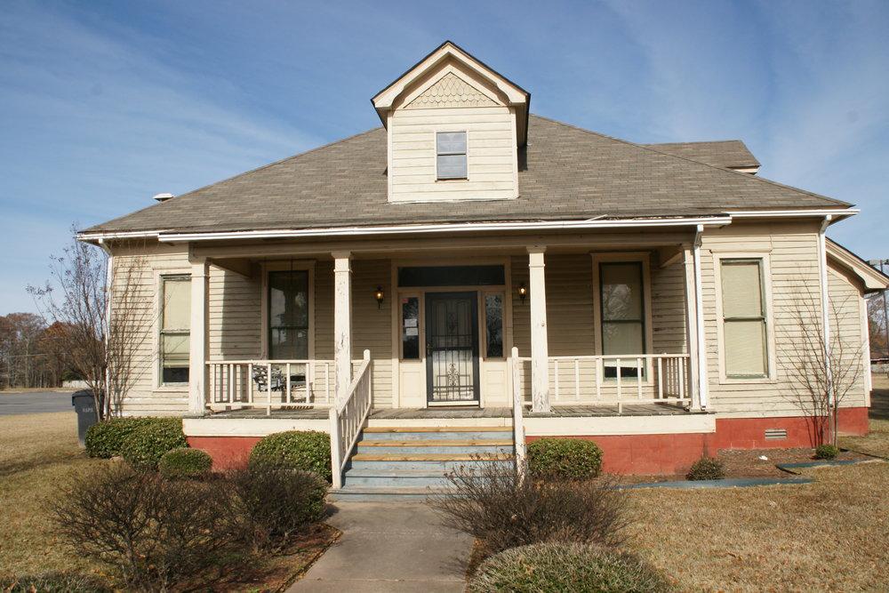Alumni House.JPG