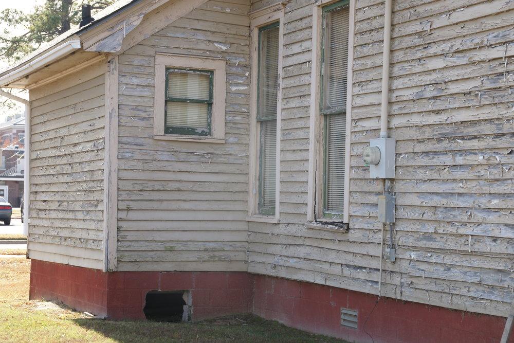 R-Side House1.JPG