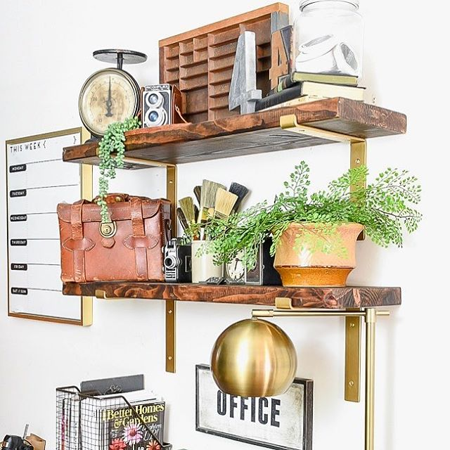 Thanks to @littlehouseoffour for including our new gold brackets in her vintage office makeover! Find out how she created a space she loves without spending a fortune. Take the tour (trust us), follow the #linkinbio! . . #cratesandpallet #littlehouseoffour #openshelving #shelfie