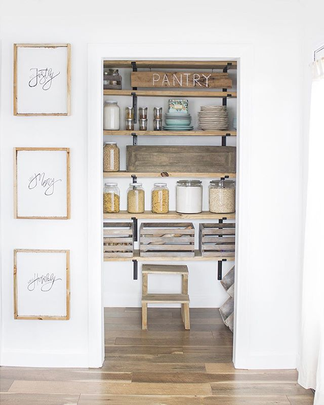 "@welivedhappilyeverafter used our 12"" shelf brackets and our wooden crates to makeover her walk-in pantry turning it into a Crates & Pallet dream come true! ✨ Follow the link in bio for project details. . . #cratesandpallet #welivedhappilyeverafter #openshelving #pantryorganization"