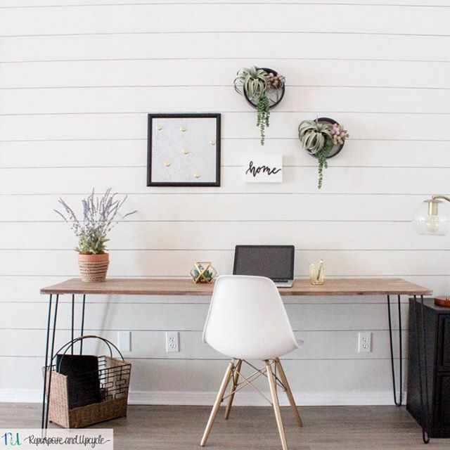 "Love this simple desk built by @repurposeandupcycle! She used our 28"" 4PK Hairpin Legs which are available online @homedepot (tap photo for product details) #linkinbio for project instructions 💛 #cratesandpallet #hairpinlegs"