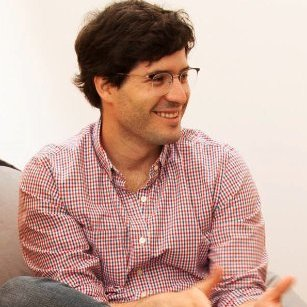 Carlos Zuzunaga - Comunal Coworking