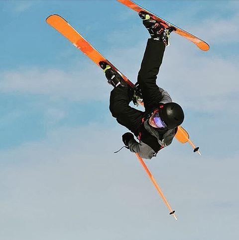 Un de nos jeunes a appris à voler ! Félicitations @mc_mel23 pour ta 5e place à Belle-Neige #teamofr #ski #freestyle