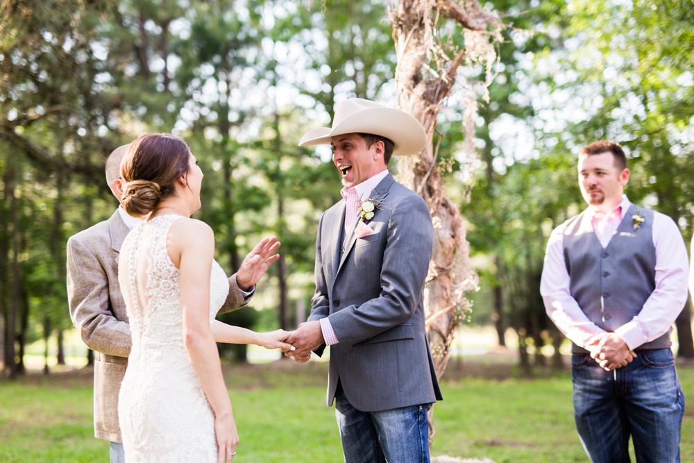 oklahoma wedding photographer pasture at willows ranch broken bow