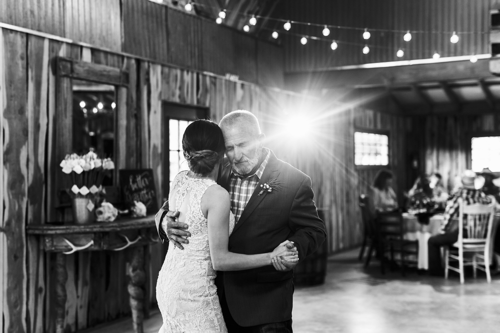 oklahoma wedding photographer pasture at willows ranch broken bow father daughter dance crying