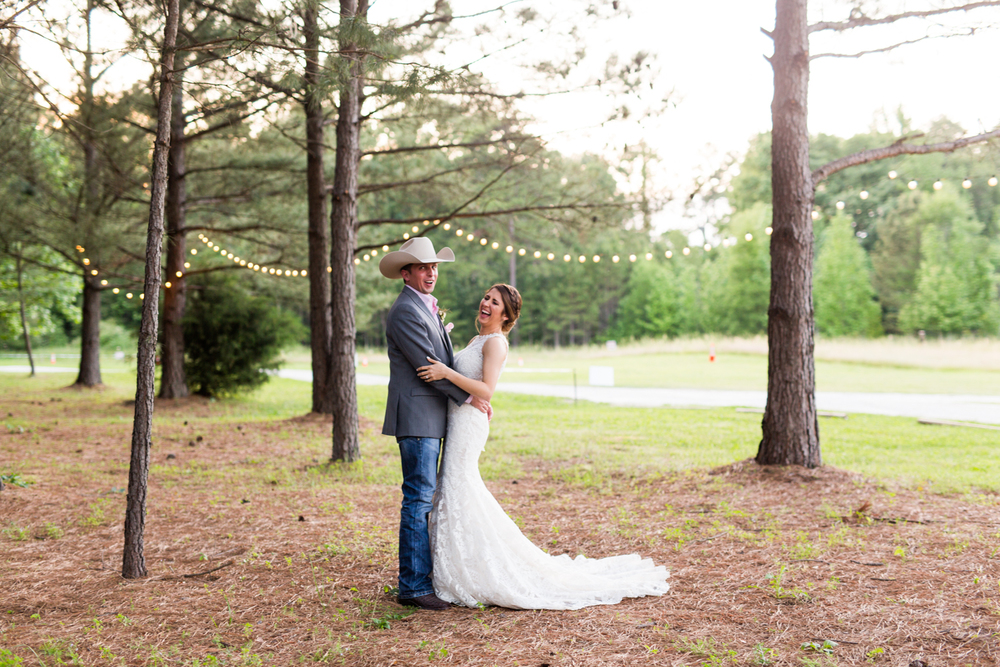 oklahoma wedding photographer pasture at willows ranch broken bow twinkle light bride and groom portraits
