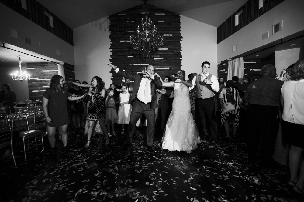 oklahoma_wedding_photographer_the_manor_at_coffee_creek-77.jpg