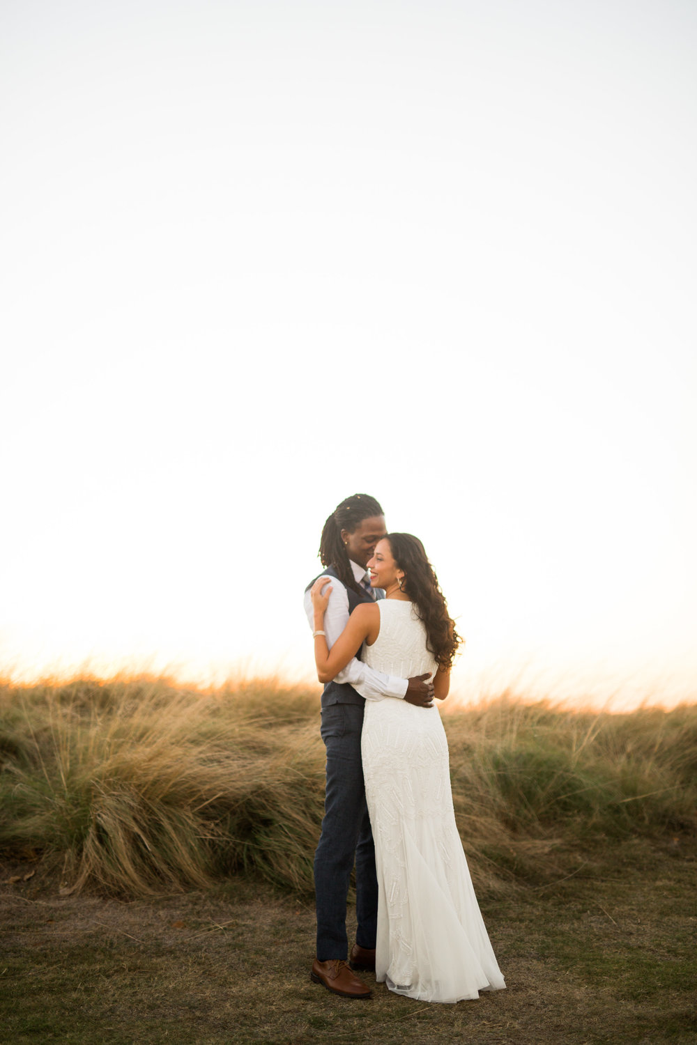 norman backyard wedding okc wedding photographer oklahoma bride and groom portraits sunset field