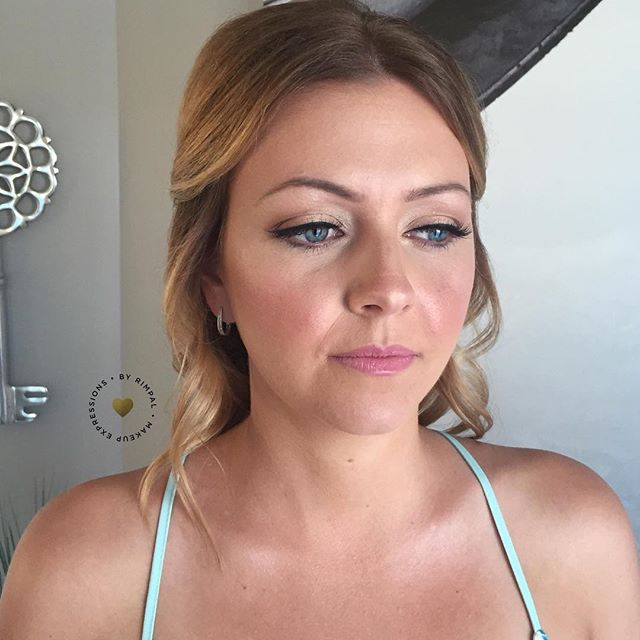 Another shot of Ashleigh because she just looks so radiant and beautiful I have to share another angle 😊. . . . . . . . . . . . . #winnipegmakeupartist #torontomua #torontomakeupartist #winnipegwedding #allthingsbridal #itsherday #brides_style #bridetobe #torontowedding #toronto #torontomua #weddingsinwinnipeg #dyfcertified #stylemepretty #weddingseason #bridalmakeup #weddingmakeup #bride #thatsdarling #creativityfound #mebyrimpal #makeupexpressions #stylemepretty #hudabeauty #torontobride #wakeupandmakeup