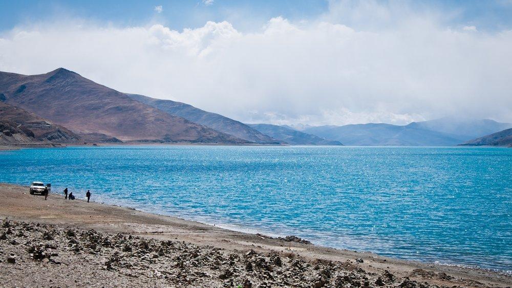 Yamdrok Yutso Turquoise Lake