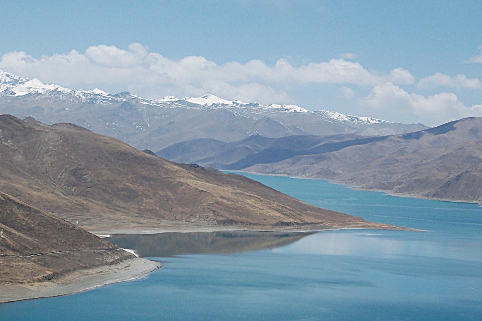 Yamdrok Yutso Turquoise Lake, Woeser Phel