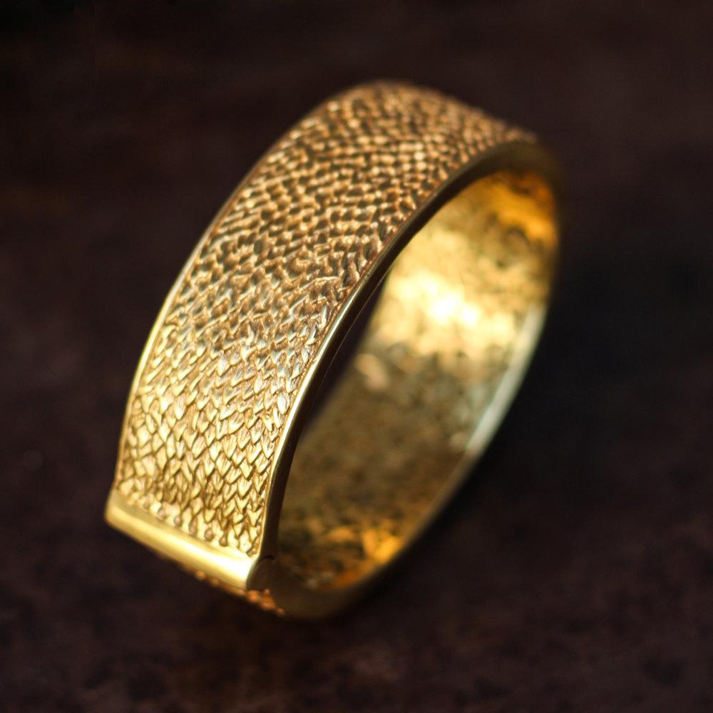 paradise gold bangle.jpg