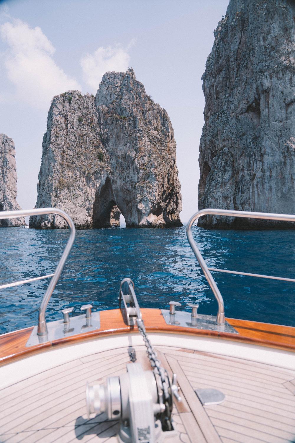 samantha-metell-photography-bonjour-blue-capri-travel-guide.jpg