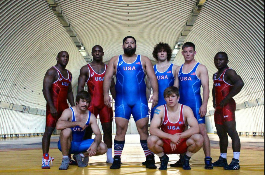 Greco team pic in tunnel