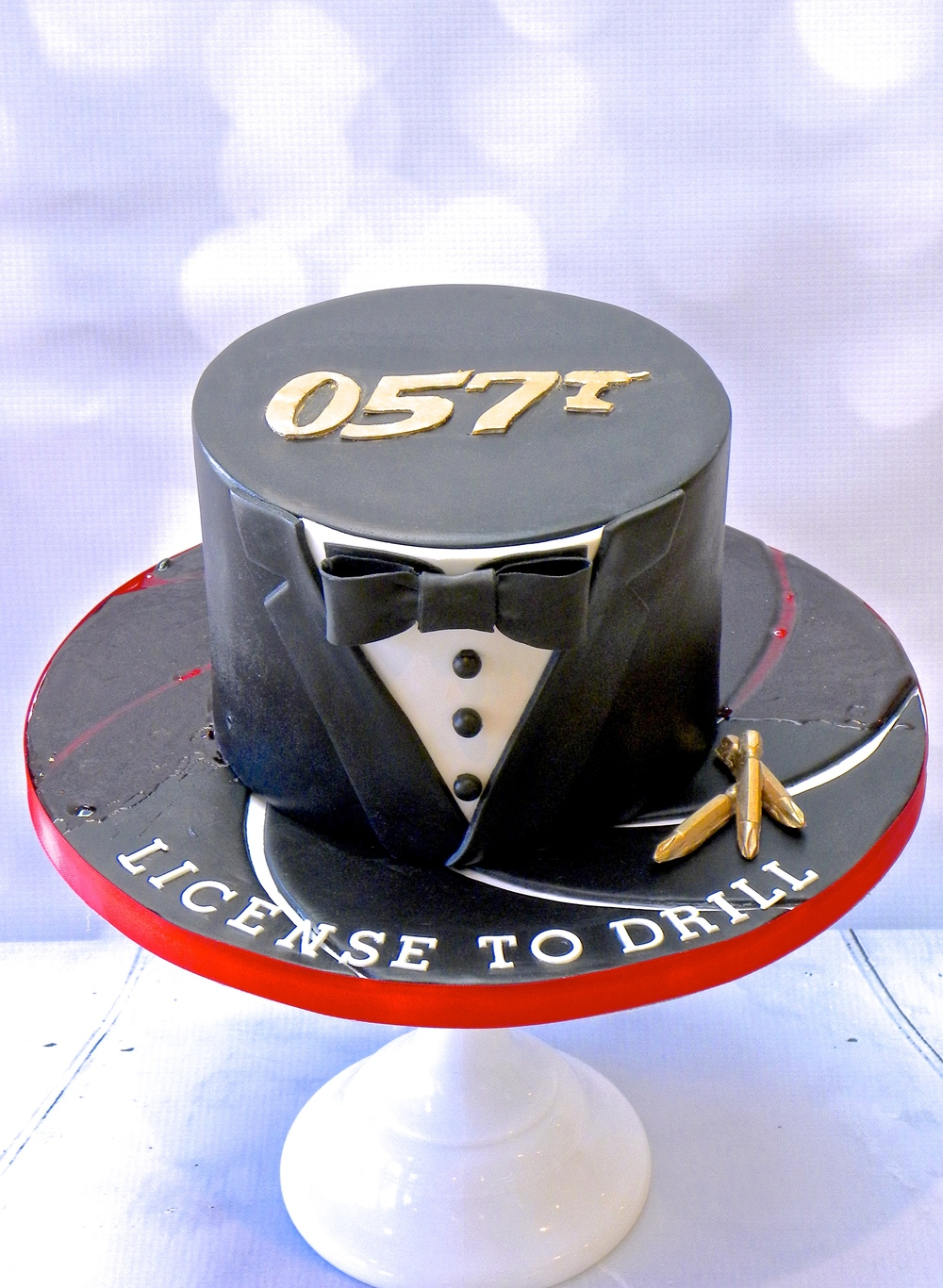 James Bond themed cake for a DIY enthusiast
