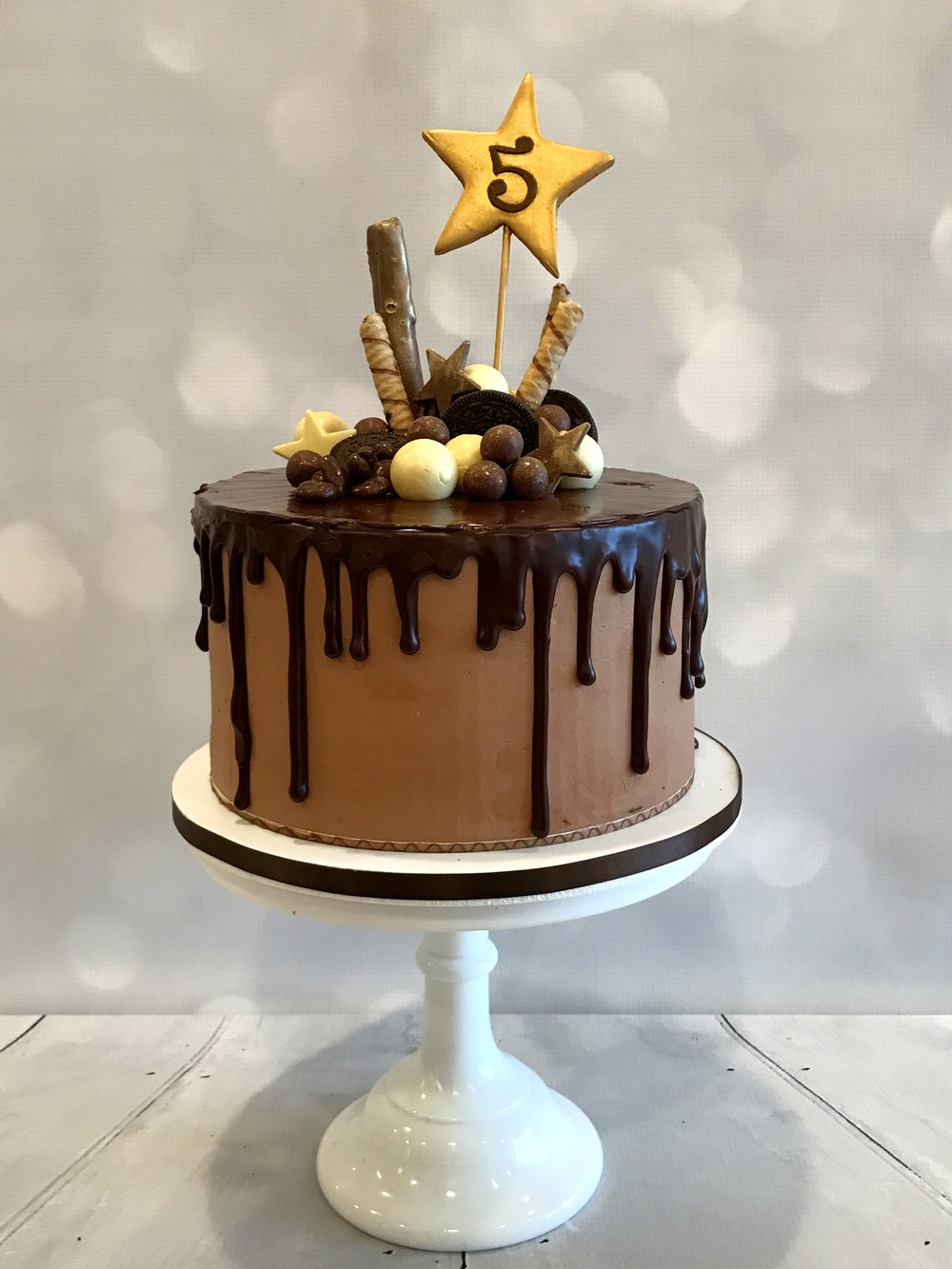 Cake With Chocolate Dripping : BLOG   Louise Sandy - Custom Cakes