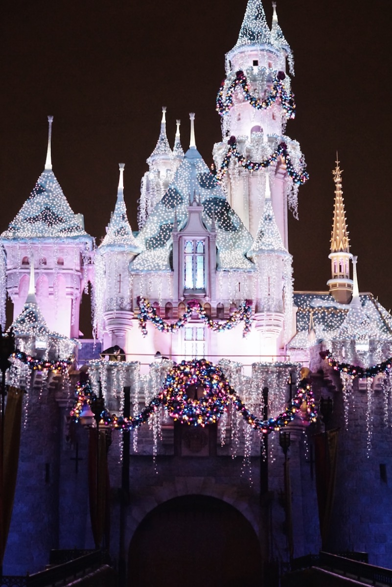 Disneyland-Sleeping-Beauty-Castle-Night-Lights