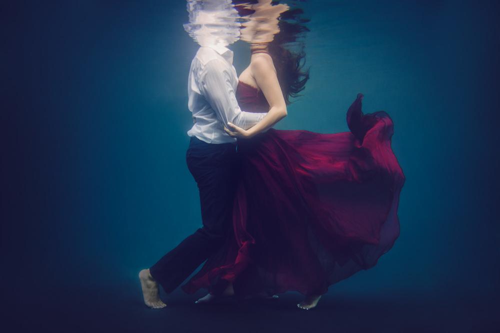 Underwater Engagement // Ashley Petersen Photo