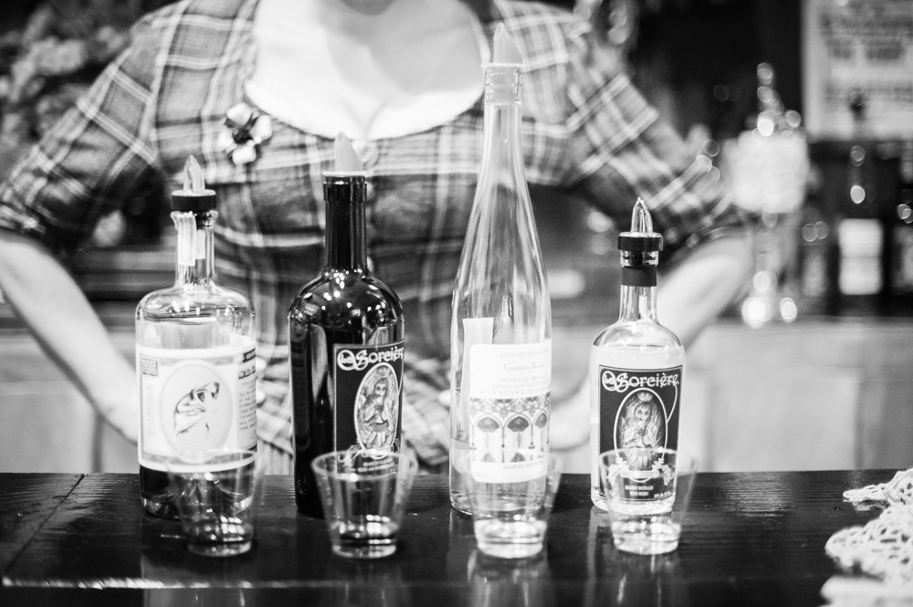 Absinthe tasting // The Great Christmas Dickens Fair // Ashley Petersen Photo