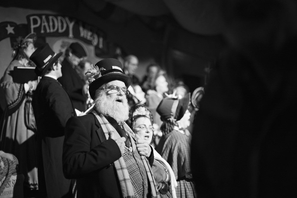 Singing // The Great Christmas Dickens Fair // Ashley Petersen Photo
