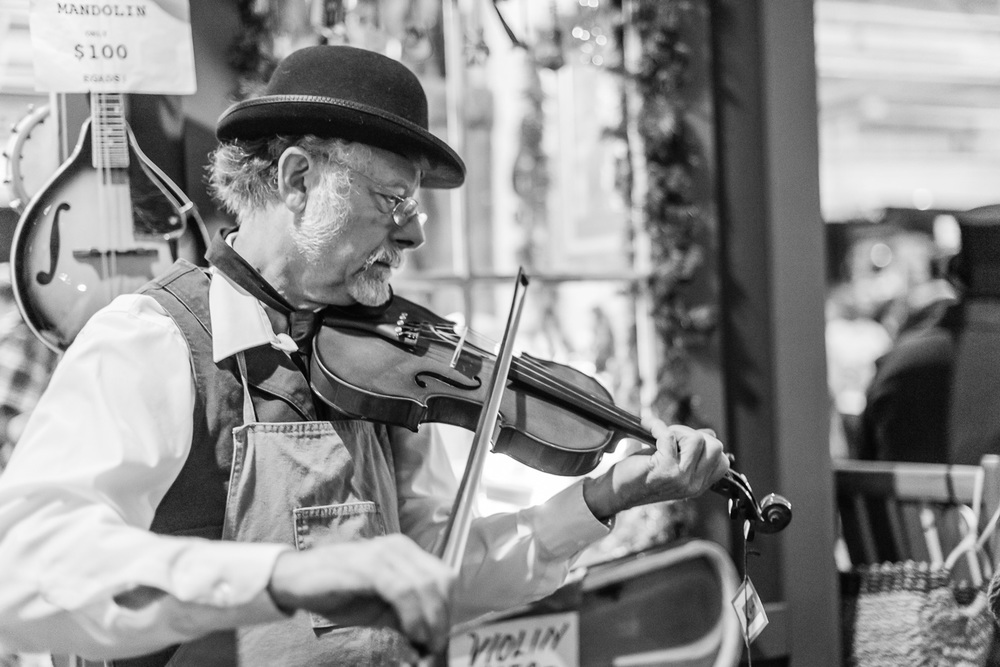 Violist at the Dickens Fair // Ashley Petersen Photo