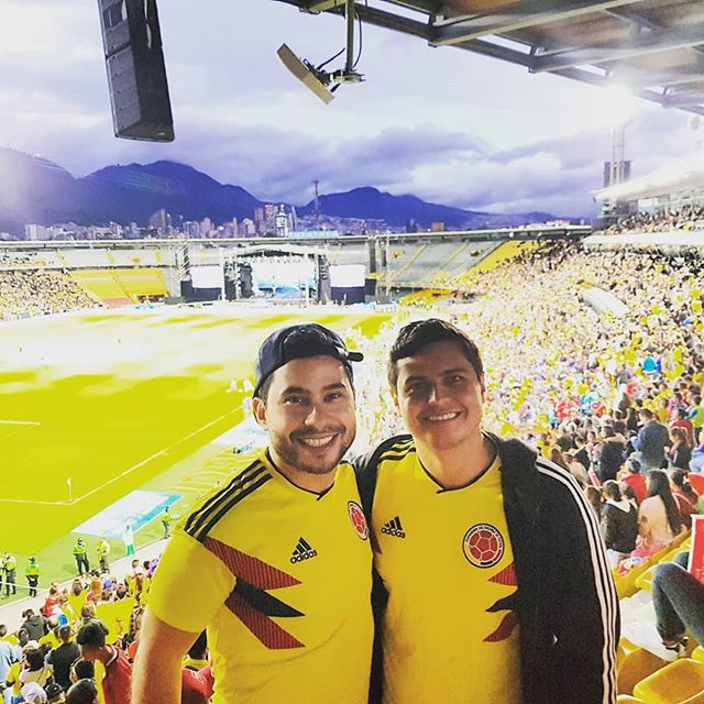 Wishing good luck to the national team. 😍 Hope we smash it in Russia. #Colombia #Maluma #UnidosPorUnPais #Russia2018 #FarewellParty