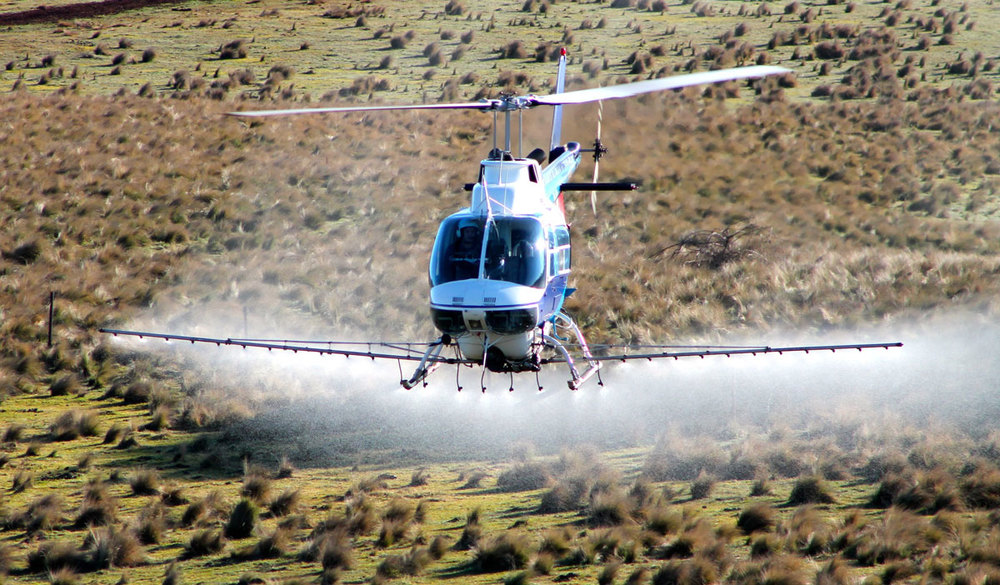 Helicopter Tussock Spraying Crookwell Windfarm
