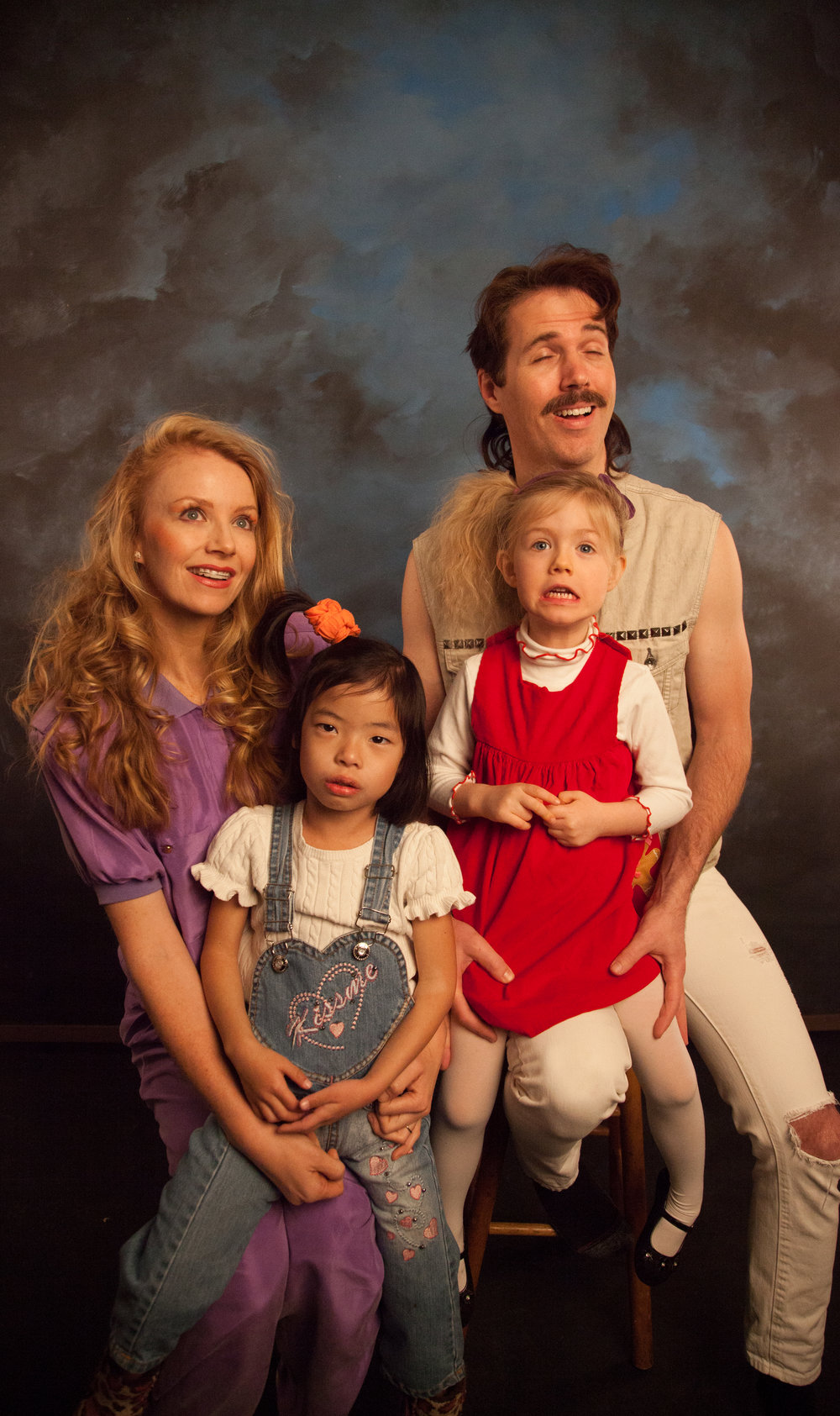 This family wanted a throwback to the 80s / awkward family shoot.