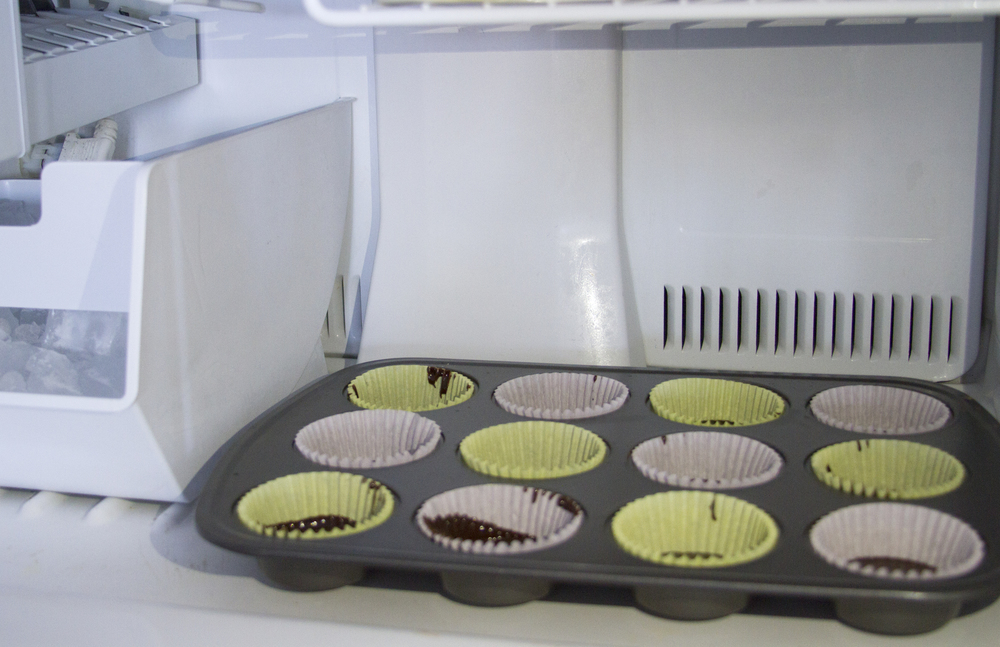 Put the muffin tray into the freezer for about 10-15 minutes, or until it hardens.