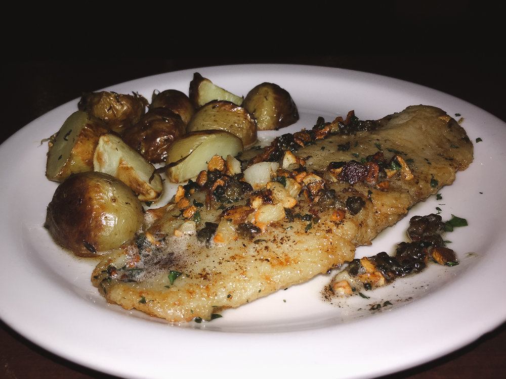 Sole Meunière - Panseared sole in brown butter with garlic, capers, lemon and parsley