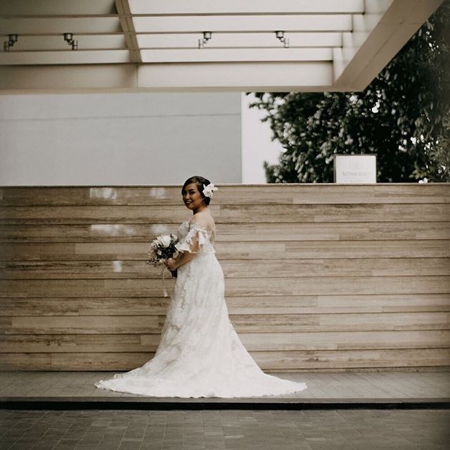 Lovely in lace. ✨ @yanihornilla is a #VRBride.  #BridalVaniaRomoff