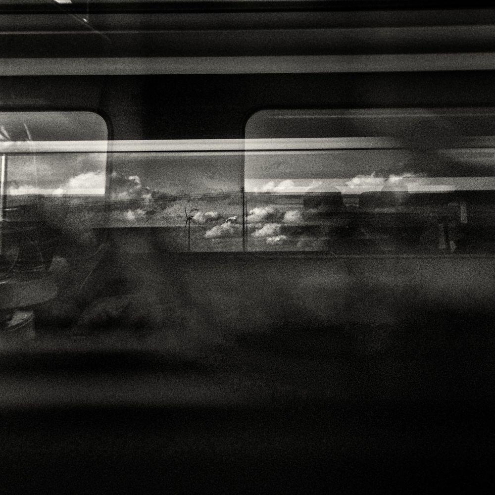 高速列車雲  32 x 32 厘米/ 50 x 50 厘米