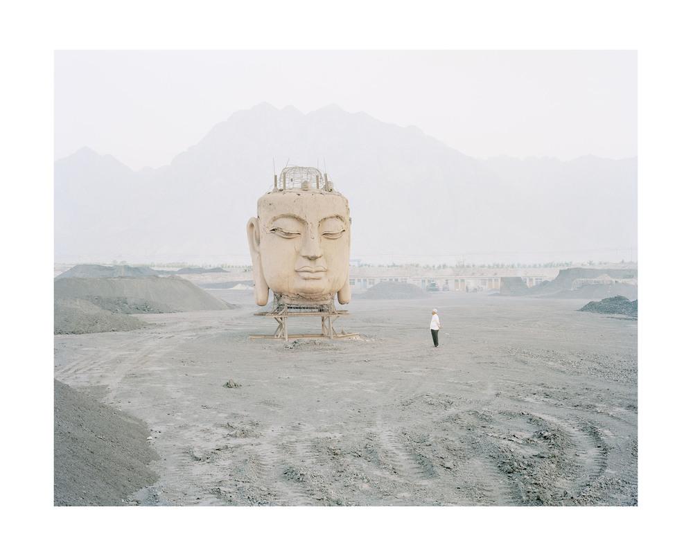 煤場裡的佛像, 寧夏, 2011         售罄
