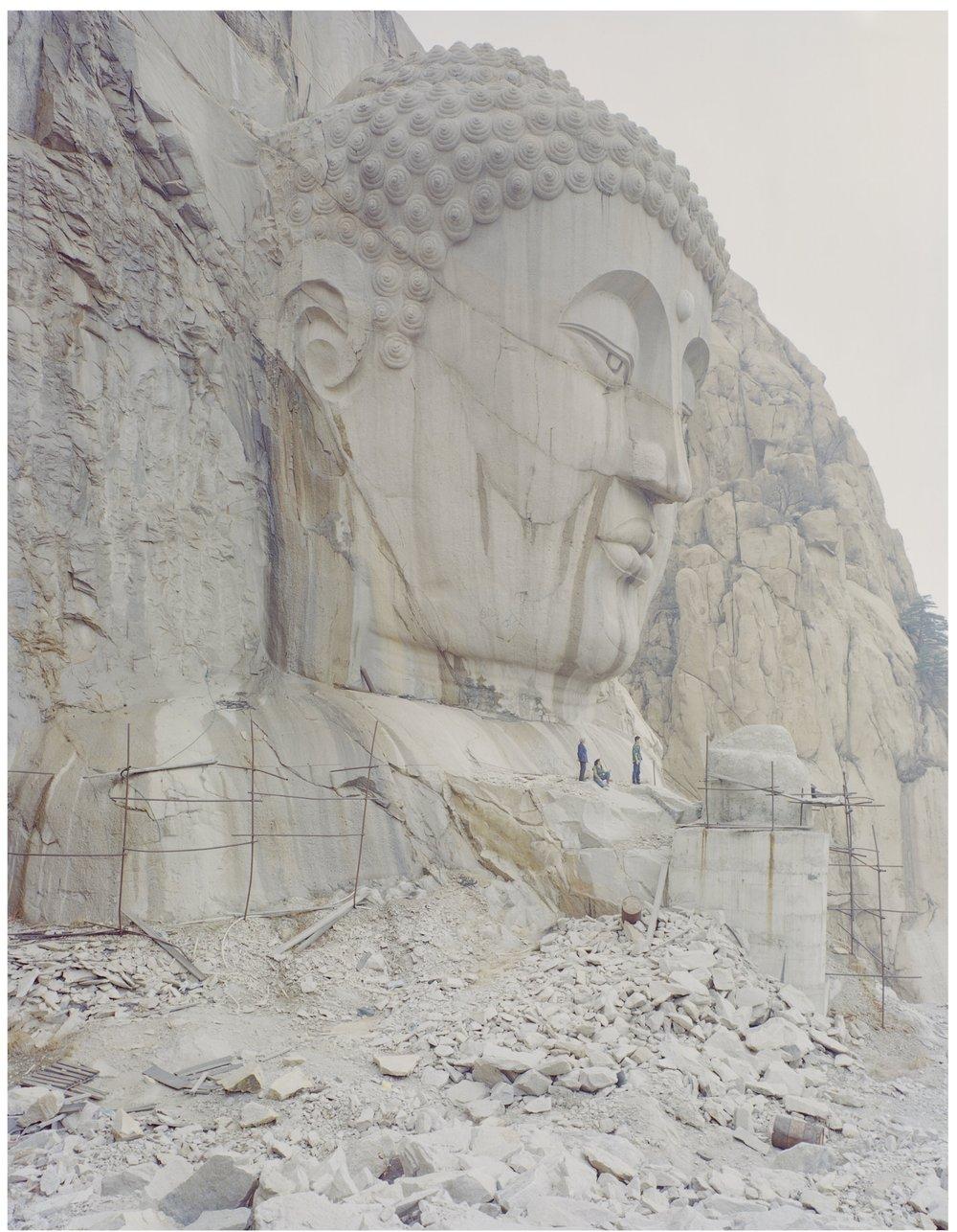 山中的佛像,90 x 120厘米 / 108 x 134厘米/ 135 x 167厘米