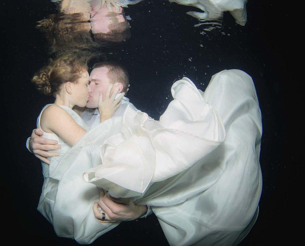 Underwaterwedding2.jpg