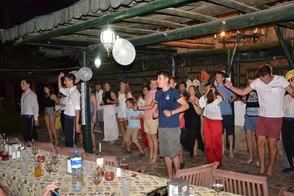 Bring taught all the moves for Turkish Dancing at a Beyaz Pool Party