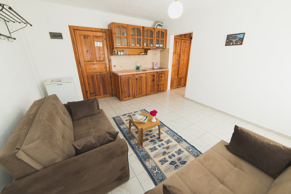 Old living room.jpg