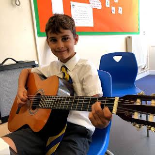 chris britt guitar tutor lessons image 2.jpg
