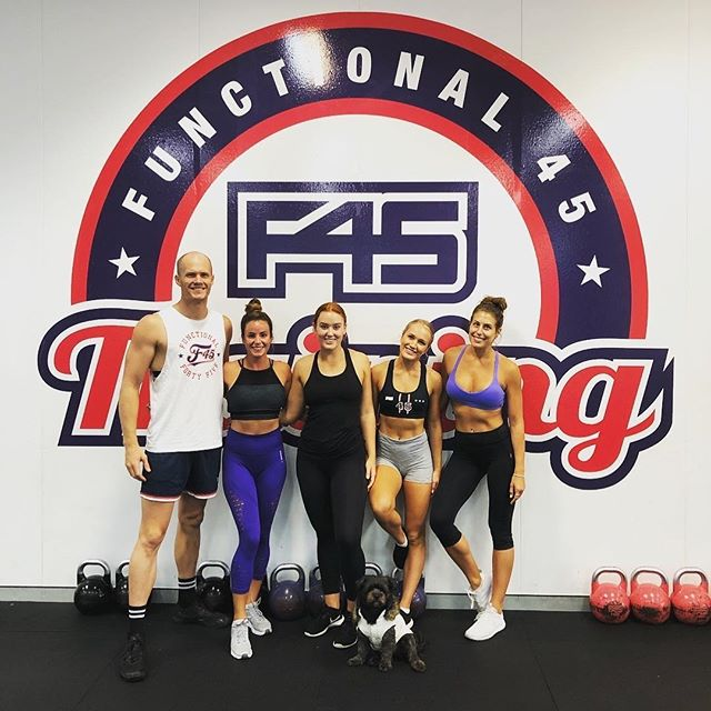Team SoPo! @f45trainingsouthport 💪🔥 . . . . . #f45 #f45training #f45southport #f45challenge #f45family #f45hollywood #f45trainer #f45trainers #goldcoast #goldcoastfitness #fitnessgoldcoast