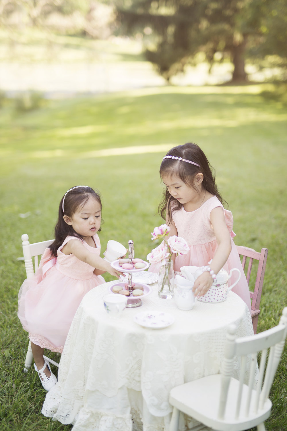 Ava_Emma_TeaParty_1.jpg