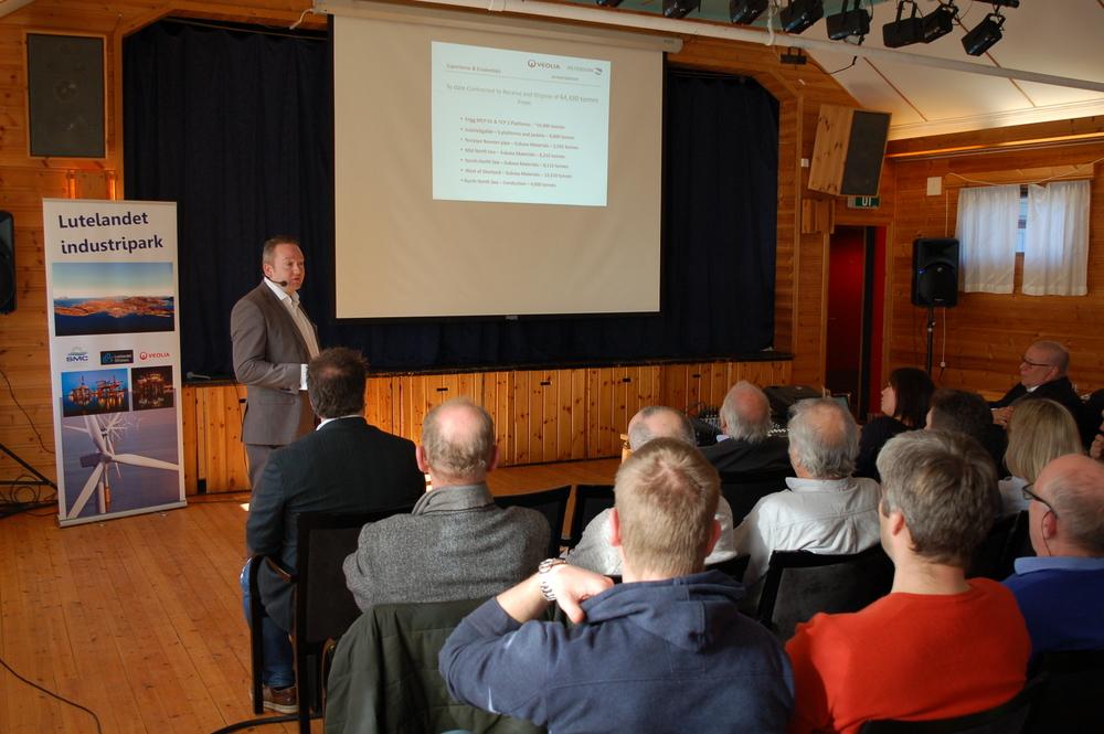 Simon Davies, Veolia Environmental Service