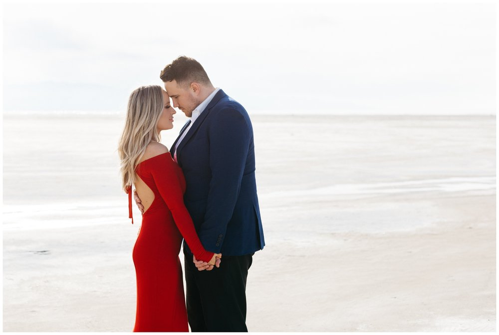 Couples Photoshoot at the Utah Salt Flats