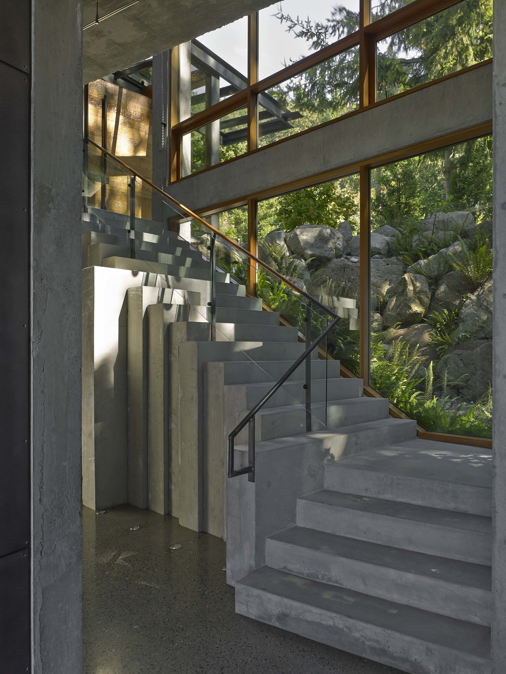 bay house - tectonic stairs