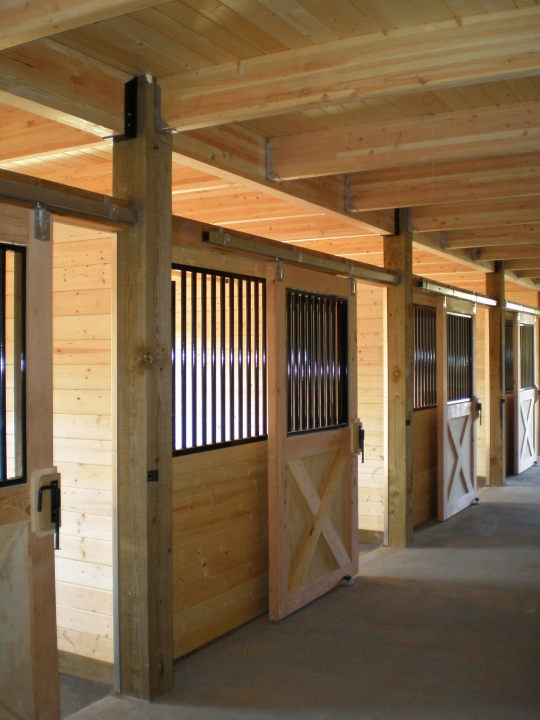 equestrian_stables_04.jpg