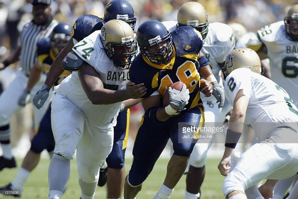 Tully Banta-Cain returning a fumble recovery in Cal vs. Baylor, August 31, 2002.