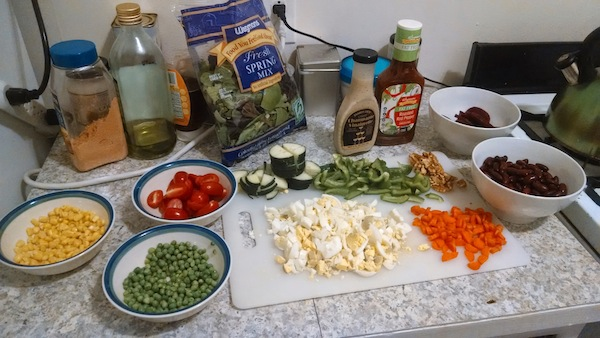 cheap-homemade-salad-bar