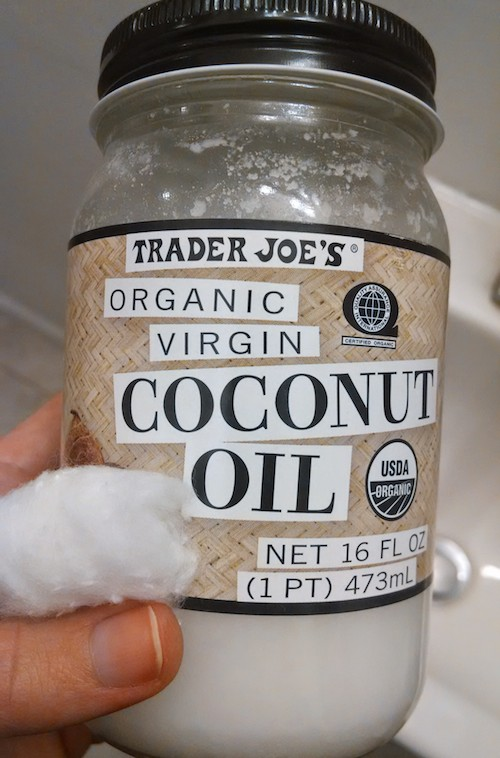 diy-coconut-oil-makeup-remover