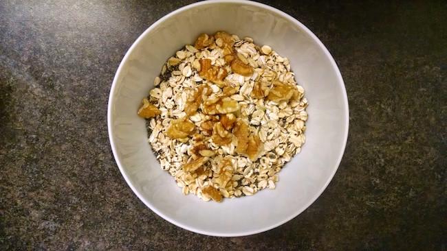 cereal-oatmeal-chia-walnut