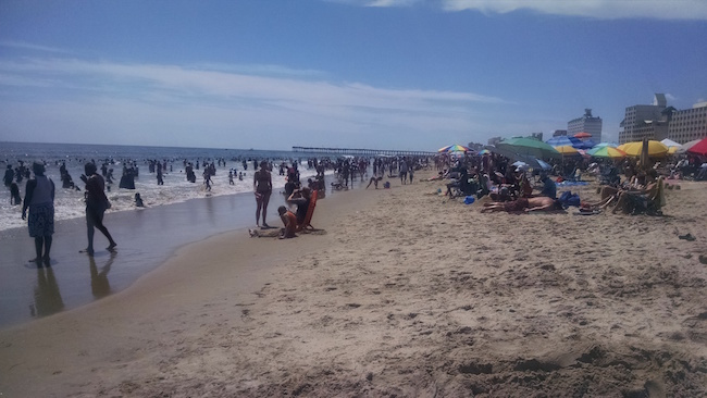 crowded-va-beach